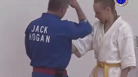 急所术( kyusho jitsu)讲授穴位攻击技巧 1