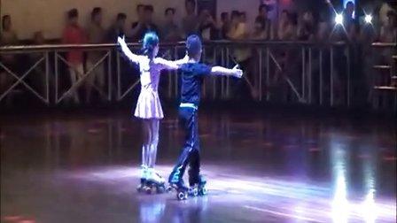 上海双排轮滑俱乐部业余大赛 3 双排溜冰旱冰溜冰花样轮滑旱冰场溜冰场