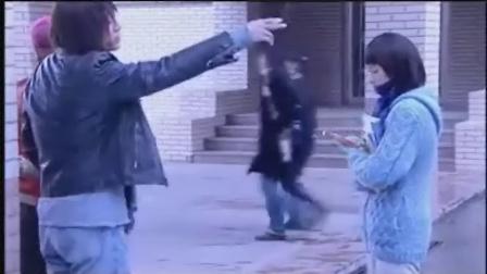 向天真女孩投降_〔向天真女孩投降〕刘烨2006年国语电视剧