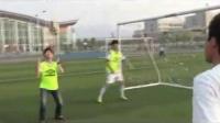 高一體育微課視頻《足球正面頭頂球》