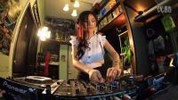 泰国美女DJ剪刀手现场打碟视频舞曲
