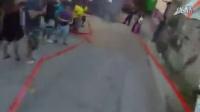 視頻: 讓人捏把冷汗的【自殺式】越野單車賽