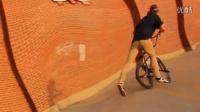 視頻: BMX - Steven Moxley Is a Biking Robot